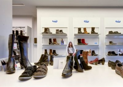 van kampen schoenen en lederwaren oostburg